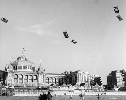 air_gallery_flying_2