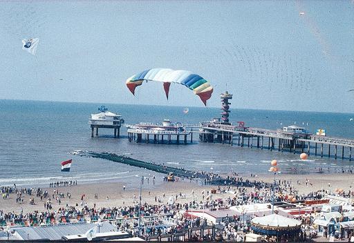 scheveningen_kite_festival_biggest_kite