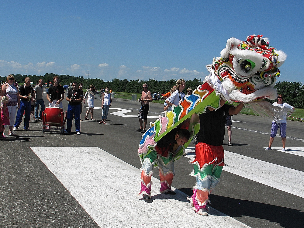 Drachten_Vliegerfestival_leeuwendans