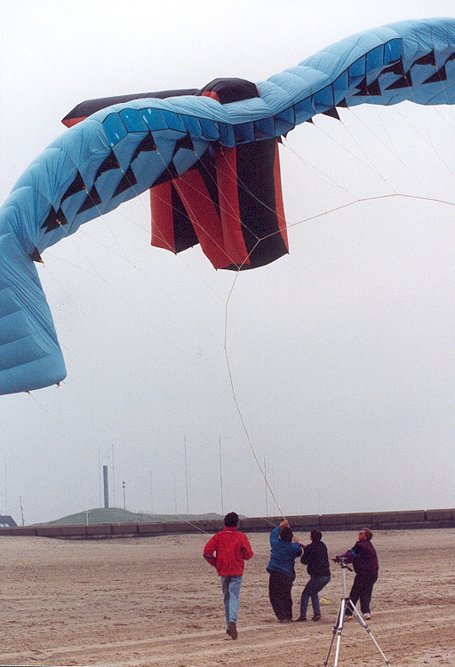 biggest_stunt_kite_2