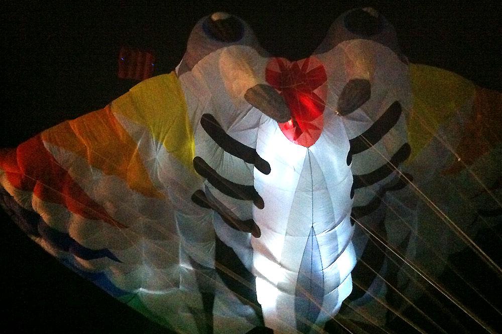 oostende-2012-kite-festival-nacht-vliegeren