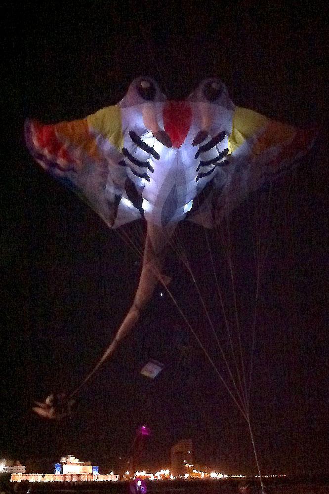 oostende-2012-kite-festival-nacht-vliegeren2